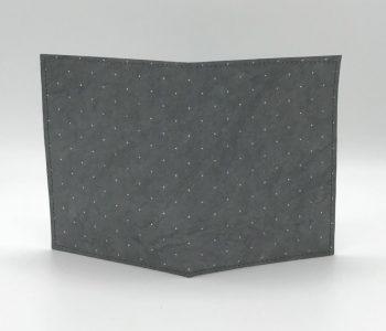 dobra passaporte - cinza de bolinhas