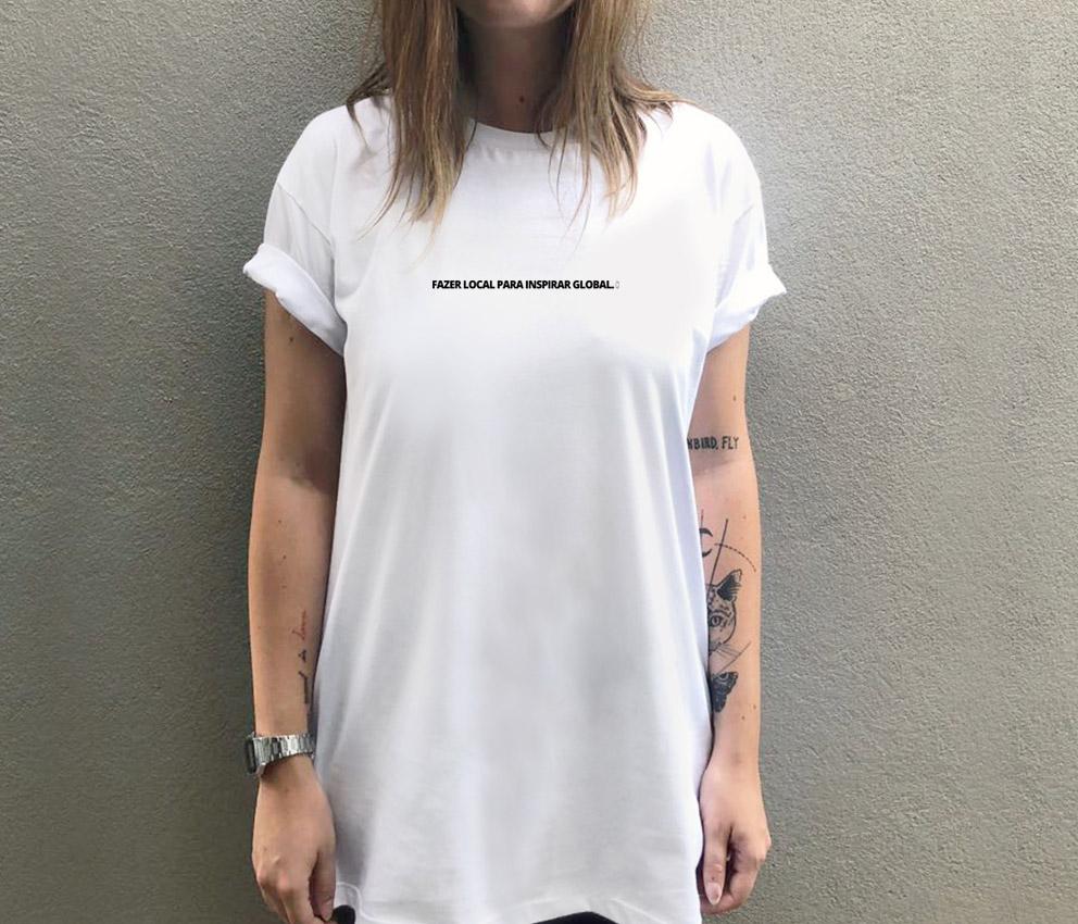 8b8095eb0a238 dobra camiseta estampada fazer local para inspirar global